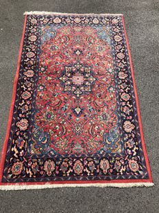 Oriental carpet! Persian! Very valuable! Investment!  Hand-knotted
