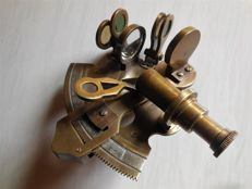 Small old sextant brass/bronze, estate of a U-boat sailor U552