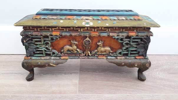 Incense altar / Tibetan incense stick holder – end of the 20th century