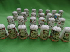 Collection of 43 thimbles - unique with the complete alphabet - Rie Cramer