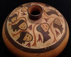 Pre-Columbian Nazca culture pottery olla with trophy heads on ropes - Peru - 19 cm