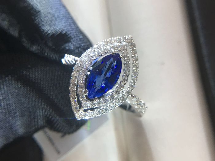 New with IGI certificate 18K 750 white gold setting 1.03ct Marquise Srl Lanka natural Sapphire and 0.56ct colorless Diamonds ring