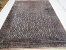 Beautiful and modern original Pakistan BUCHARA 375 x 282 cm great condition end of the 20th century fine