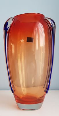 Handmade glass vase, geographical origin Poland