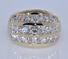 3 ct Diamond, oval ring  – Size: 8 - No reserve price!