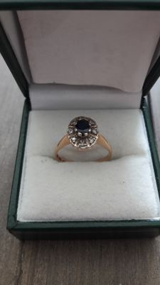 14k Yellow gold rind whit 8 diamonds and black stone - size 17+