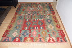 Unique Turkish Kilim, handwoven - 20th century, 290 x 200 cm, with certificate of authenticity.
