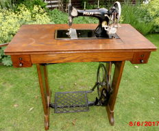 "Antique Mechanical Bogenschiff Shuttle Sewing Machine ""Pfaff 11"" - approx.1906"