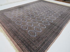 Beautiful and modern original Pakistan BUKHARA, 375 x 282 cm, top condition, end of the 20th century, fine, no reserve, from €1
