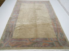 Modern beautiful oriental rug, originally from Nepal, 350 x 250 cm, top condition, late 20th century