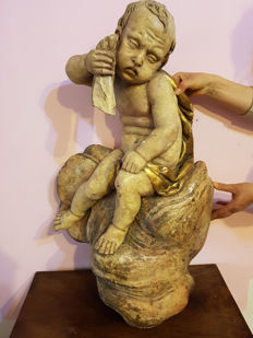 Lacquered wooden sculpture depicting a Cherub - 17th / 18th century