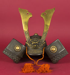 Samurai kabuto with oni maedate – Japan – second half of the twentieth century