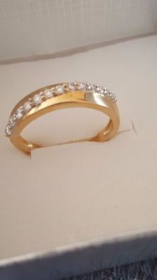 Eternity ring in yellow gold with 13 diamonds – size 17