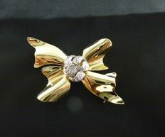Gold brooch from the 1960s