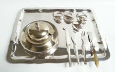 Lot with silver plated serving tray - F.W.Quist.