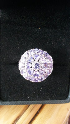 Very Rare Stunning 3.18cts AA Lilac/Pink Tanzanite coctail ring.