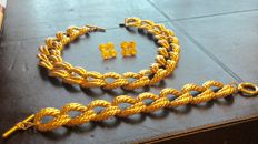 Vintage Anne Klein jewelry set - necklace, bracelet and earrings