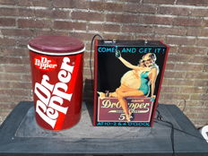 Lot of Dr. Pepper storage can with seat and light box, second half 20th century