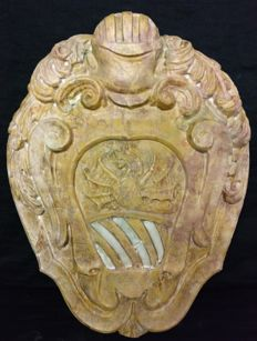 Royal yellow marble coat of arms with Carrara marble inlaid - sculpture, worked and sculpted - Italy, Trentino Alto Adige - early 1800