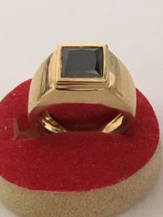 18 kt gold signet ring with 2.55 ct black diamond - Size: 55.