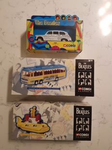 Corgi - Scale ca 1/36-1/72 - The Beatles Collection: Yellow Submarine, Newspaper Taxi & Bedford Val Magical Mystery Tour Bus