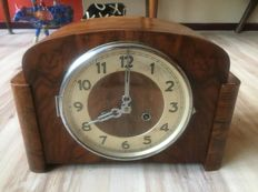 Beautiful clock / mantel piece clock - Art deco