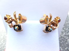 A beautiful pair of 18 karat gold earrings with ruby, onyx and turquoise, Portugal around 1970.