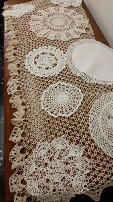 Large lot from an Italian private collection, pillow lace, crochet and Flanders stitch, first half of the 20th century