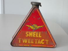 Shell - oil shell - triangular tin - 19.5x19.5x6 cm 1920s