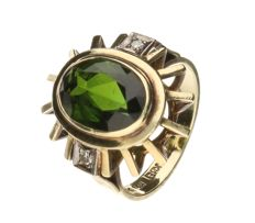 Yellow gold ring set with green tourmaline