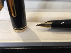 Montblanc generation with 14 k gold nib in excellent condition