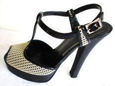 Fendi – platforms - cigarette heels – open toe sandals - Excellent