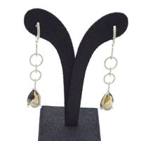 18 c.t  white gold  earring   with champagne topaz , 10.16 c.t  with diamond , 0.67c.t VS / H to G