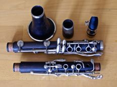 Buffet Crampon E12 Bb Clarinet Serial Number: 352468 (Year 1992) - Grenadilla Wood.