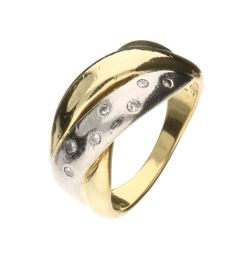 14 kt bi-colour gold ring set with 7 brilliant cut diamonds of approx. 0.08 ct in total, inner size: 16.50 mm.