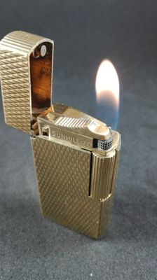 Dunhill 70 lighter, gold plated and Swiss made