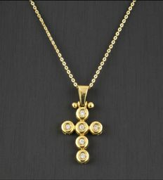 Necklace and cross in 18 kt yellow gold with 6 brilliant cut diamonds totalling 0.30 ct – Length: 42 cm