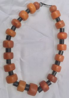 Ethnic necklace – Phenolic resin and ebony