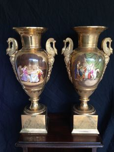 Amphora vases in porcelain and pure gold - 20th century