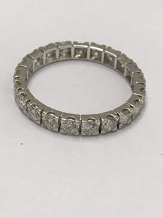 Platinum eternity wedding ring with 3.30 ct of Top Wesselton diamonds