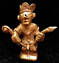 Tumbaga Gold , Colombian Tairona Culture  - 52 x 43 x 26  mm , 15,79 grams,  An Indian Native hunter with a spear in his hand