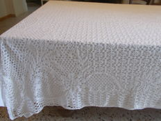 A large tablecloth in crochet Hand made
