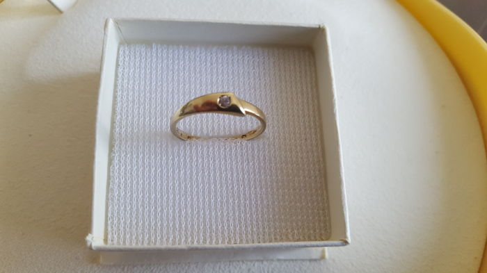 14 kt gold cocktail ring set with a small white zircon (not synthetic) - Size: 50/52.