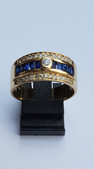 Gold ring with diamond and blue sapphire – ring size: 19.25 mm (60)