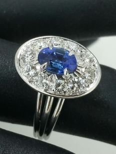 Ring in 18 kt white gold, diamonds and sapphire - size 58