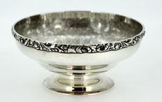 Antique silver plate decorative engraved bowl, Barker-Ellis Silver CO, England ca.1912
