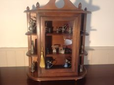 Display cabinet with 18 pewter miniatures