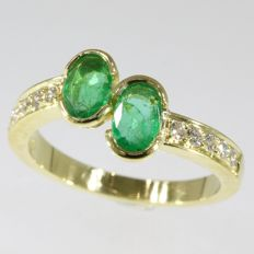 18k yellow gold ring with emeralds and diamonds anno 1980; Ring size: EU-54 & 17¼, USA-6¾, UK-N