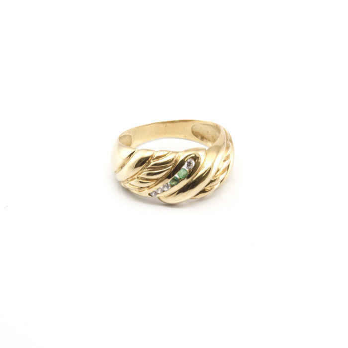 18 kt / 750 gold ring  - size 15