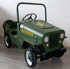 Jeep Army pedal car.